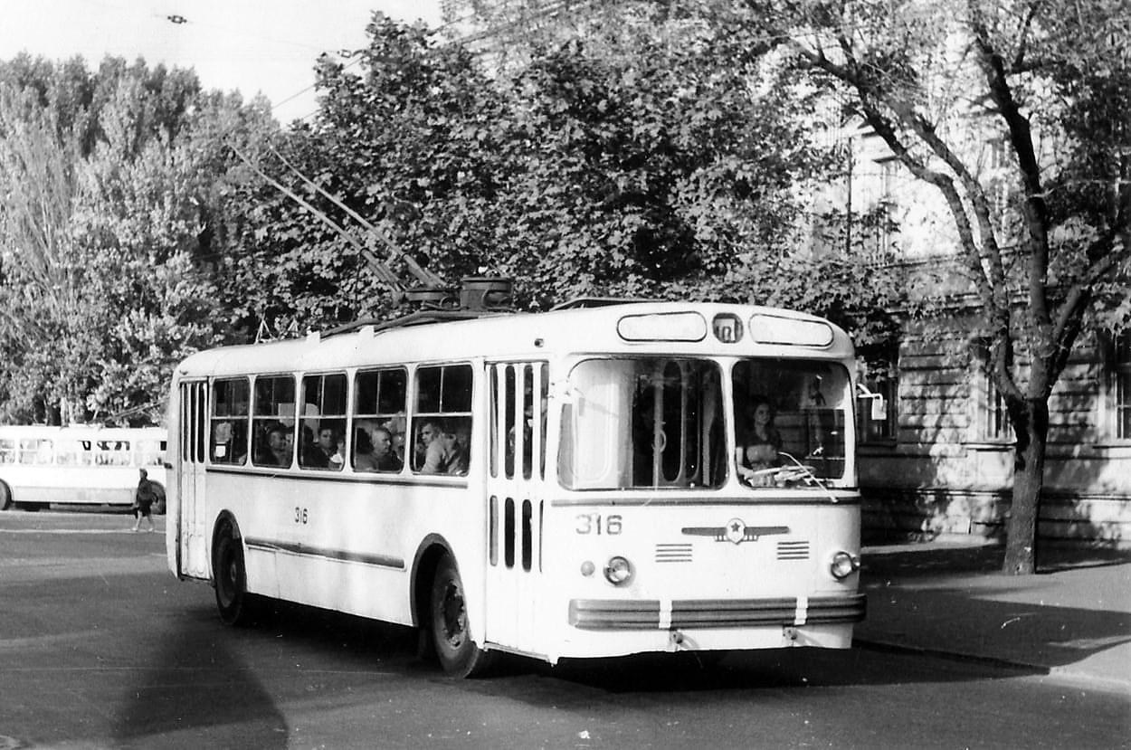 троллейбус в старой Одессе