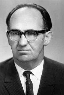 астроном Владимир Цесевич