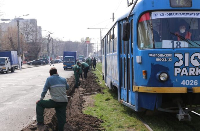 Где в Одессе создают «Зеленый тоннель»?