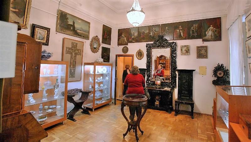 зеркало в музее А. Блещунова