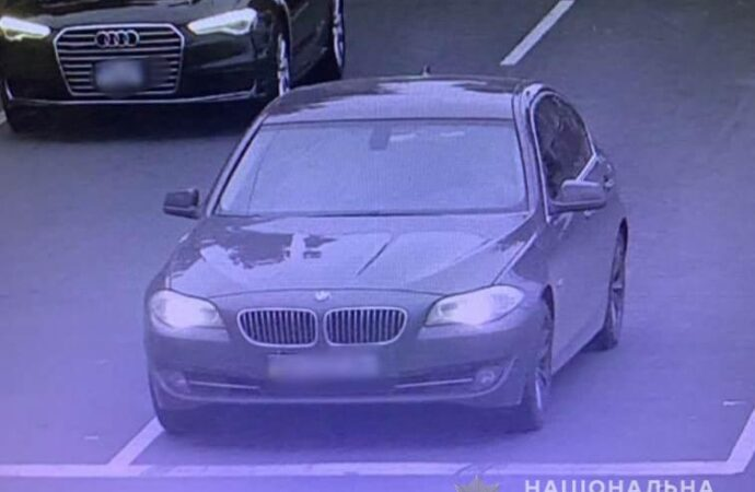 Наезд на людей на остановке в Одессе: еще одного участника аварии отыскали в Умани