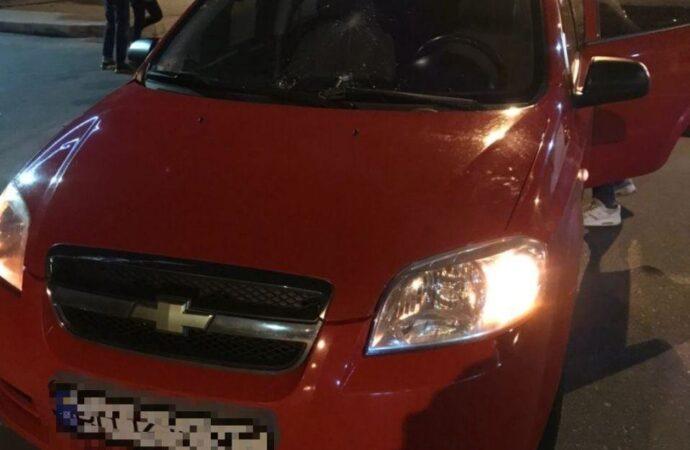 В Одессе автомобиль въехал в толпу протестующих
