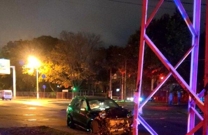 Ночная автокатастрофа в Одессе: погибла женщина (фото)