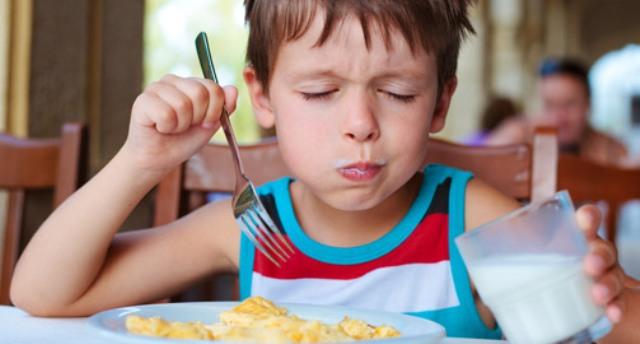 В одесском детсаду повара воровали еду у детей (видео)