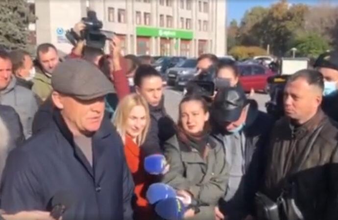 Труханов встретился с бизнесменами на акции против карантина и пообещал решить ситуацию