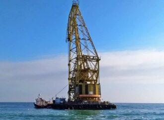 В Одессе водолазы ищут остатки затонувшего танкера Delfi