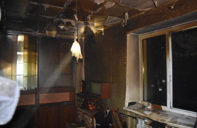 Пожар в Одессе: в сгоревшей квартире нашли труп мужчины