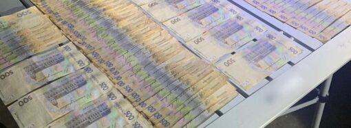 В Одесской области полицейский собирал с автоперевозчиков по 100 тысяч гривен в месяц (фото)