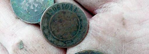 Поиски Хаджибейского замка: что «шутники» подбросили в раскоп одесским археологам? (фото)