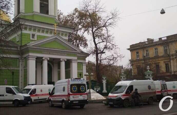В Одессе старушка с низкой сатурацией умерла, не дождавшись кислорода, – волонтер