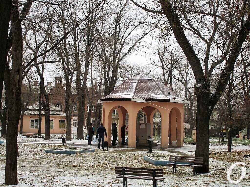 сквер Мечникова, бювет