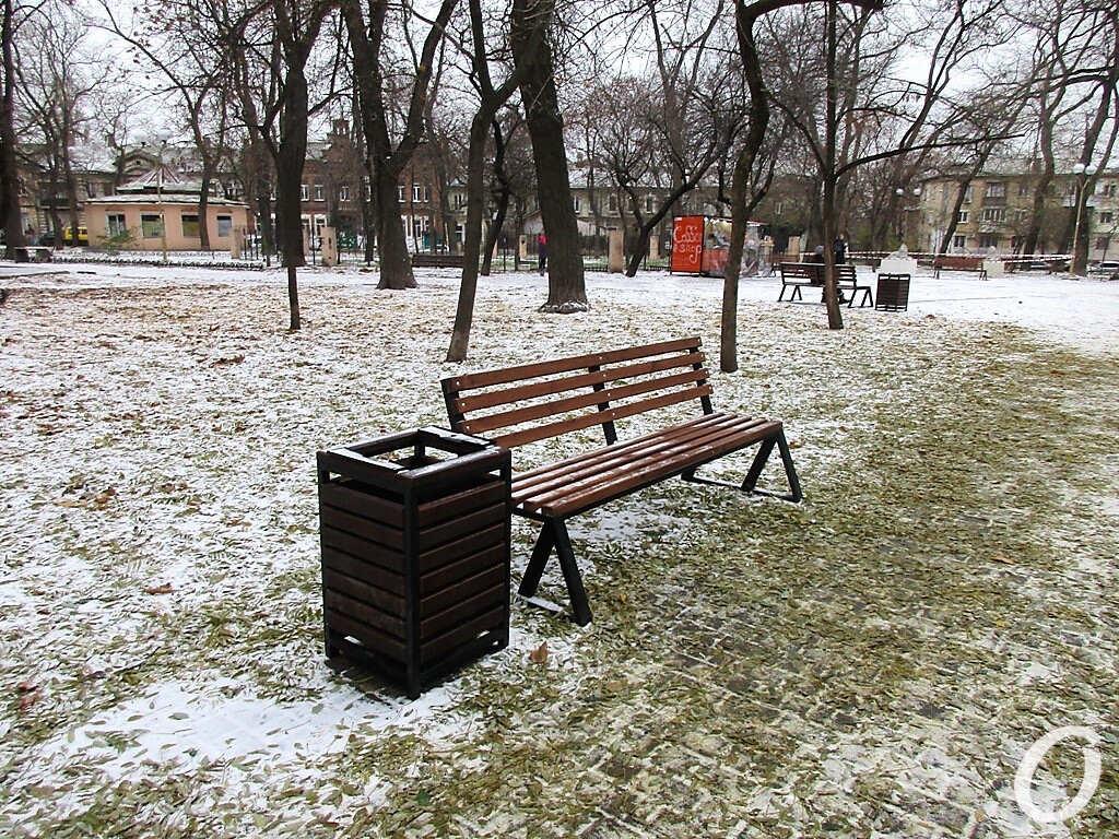 сквер Мечникова, скамейка