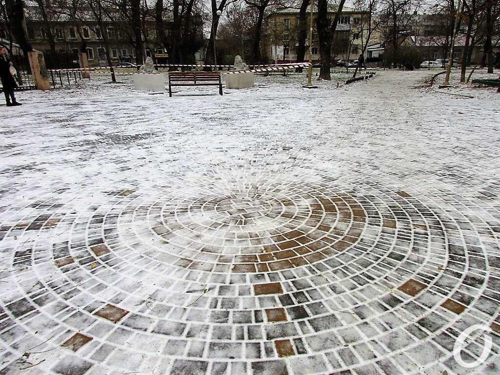 сквер Мечникова, плитка