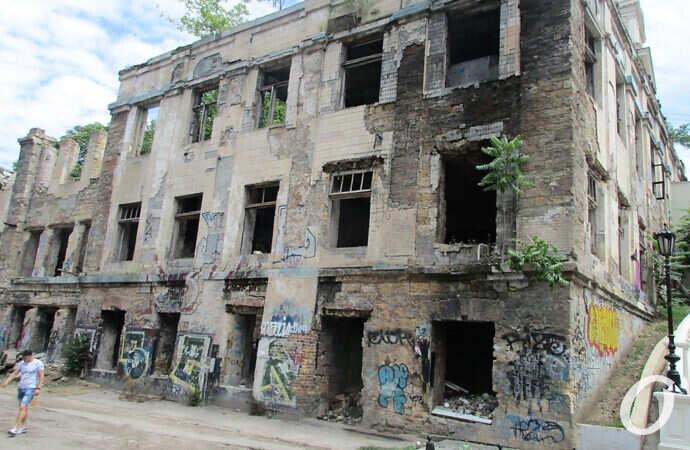 Изучаем: неузнаваемый Деволановский и новый дом на месте ярмарки на Дерибасовской (фото)