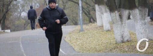 Одесские любители спорта тренируются на улице при любой погоде (фото)