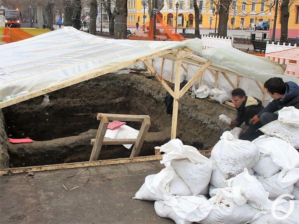 раскопки на Приморском бульваре, навес