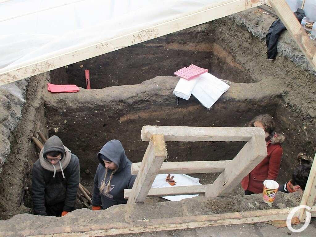 раскопки на Приморском бульваре, лестница