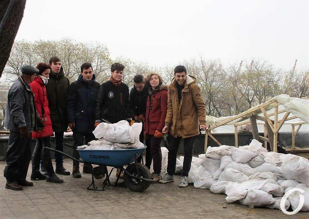 раскопки на Приморском бульваре, добровольцы