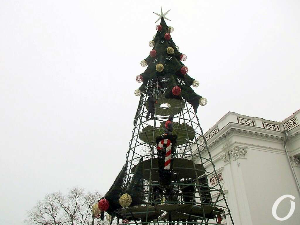 Главная елка, установка