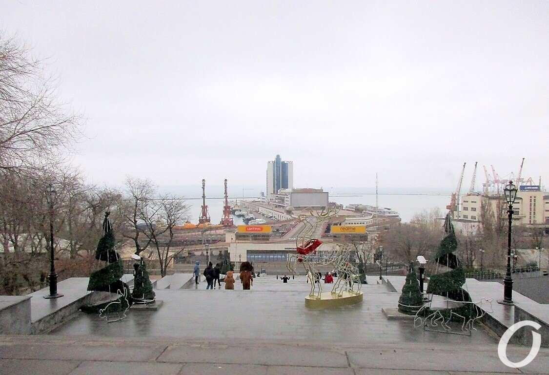 Одесса предновогодняя, на Потемкинской лестнице
