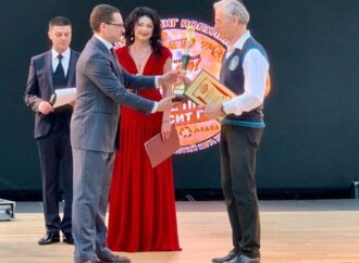 Прославленный одесский учитель получил награду года за видеоуроки физики (фото)