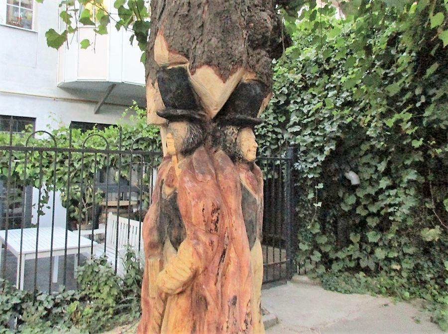 скульптур апушкин и его друг одесса