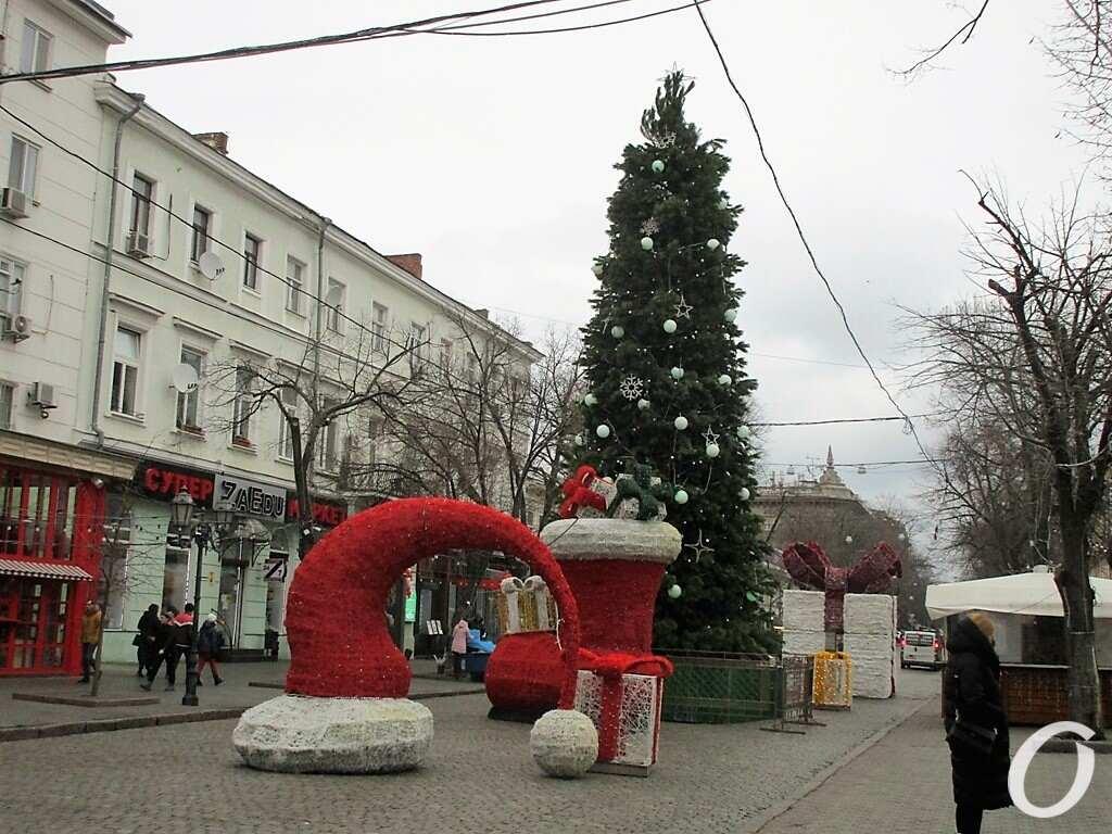 Елка на Дерибасовской в декабре 2020 года