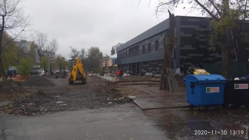 строительство, вырубили деревья
