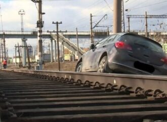 В Одесской области водитель «подшофе» остановил поезда