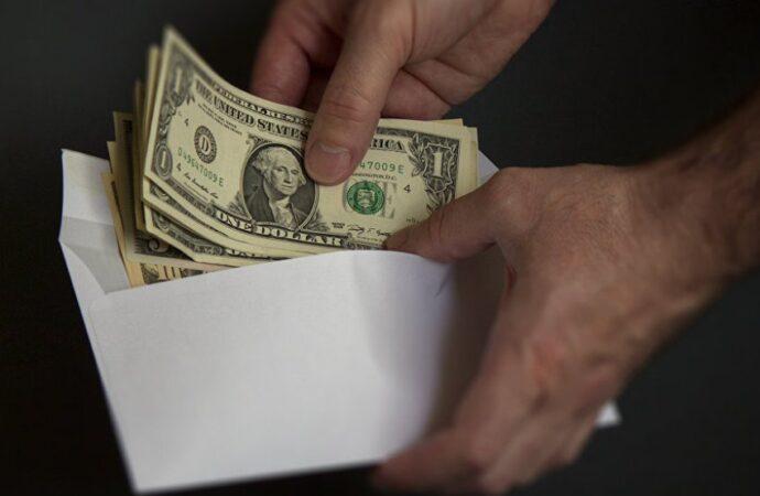 В Одесской области «погорел» на долларовой взятке инспектор-пограничник