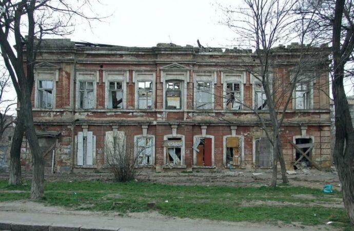 На одесской Молдаванке хотят «убить» старинный дом ради очередной высотки