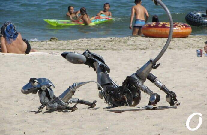 инсталляция на пляже в Одессе