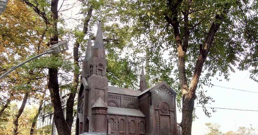 памятник уничтоженному собору Св. Климента