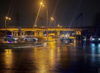 В Одессе полицейские «обломали кайф» любителям ночного дрифта (видео)