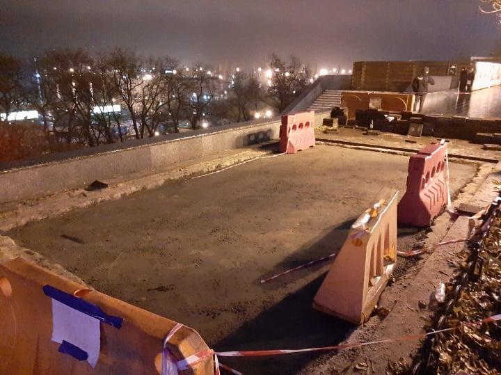 на Приморском бульваре восстановили покрытие