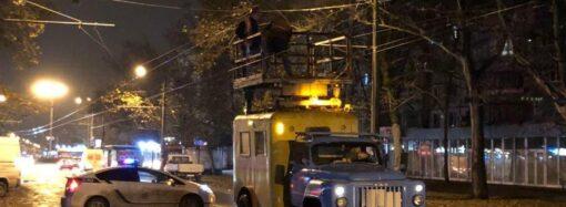 В Одессе на Таирова троллейбус устроил фейерверк