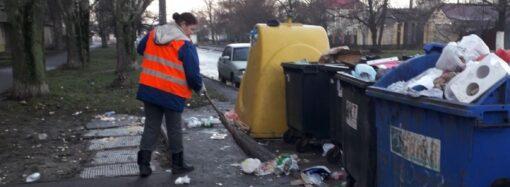 Одесские коммунальщики показали, как чистили город от новогоднего мусора (фото)