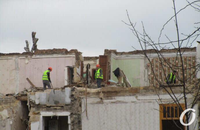 В Одессе сносят многострадальный дом на Торговой (фото)