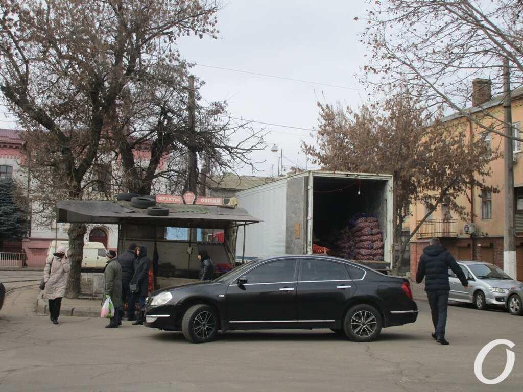 Торговая площадь, торговля с машин