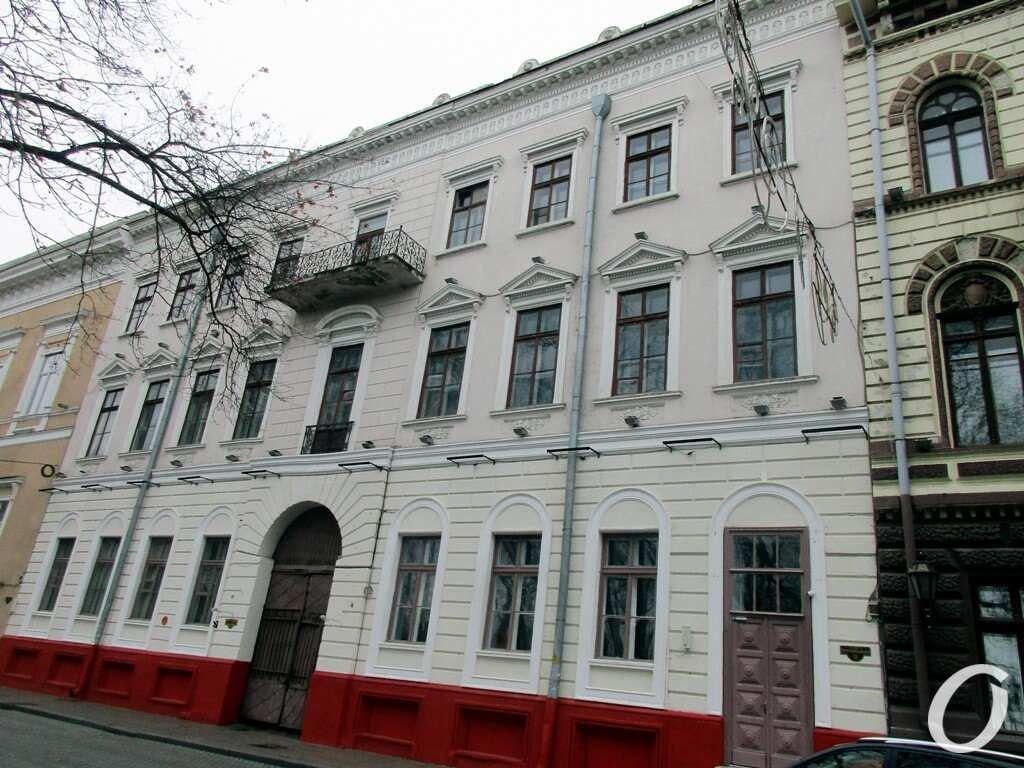 Приморский бульвар, дом №12