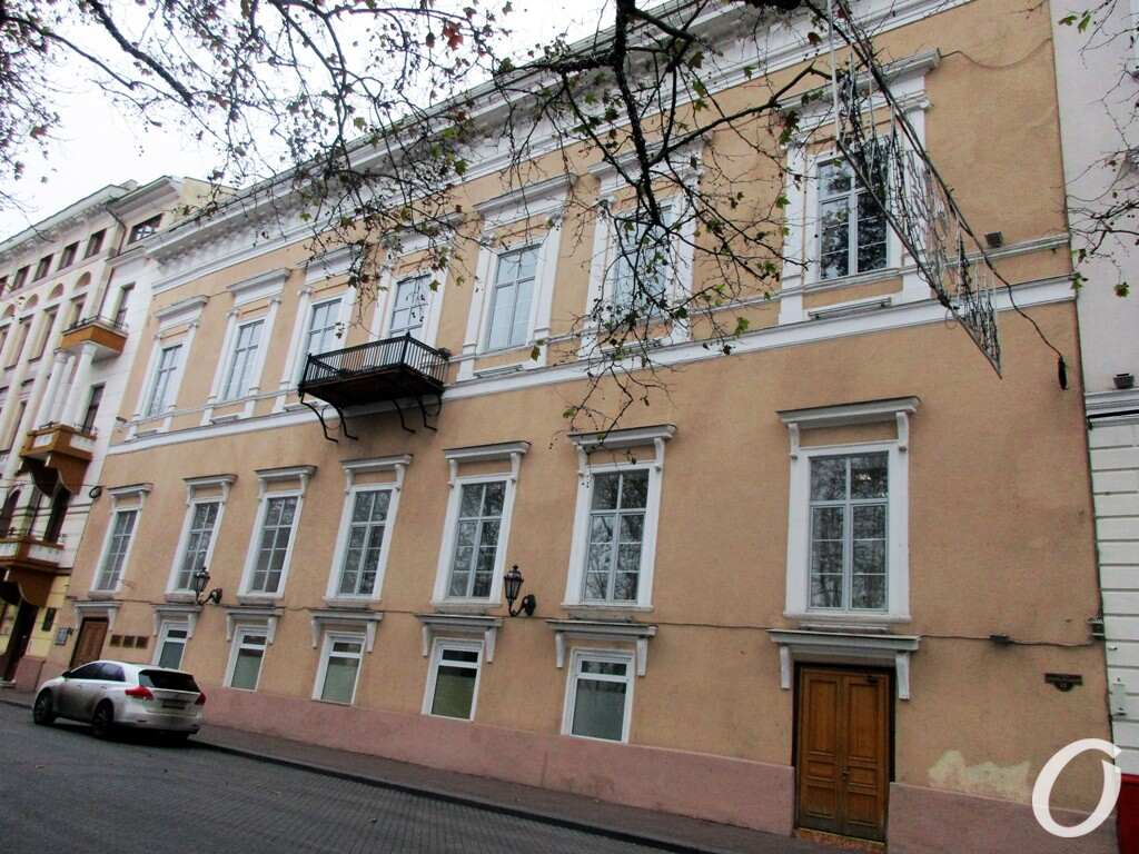 Приморский бульвар, дом №13