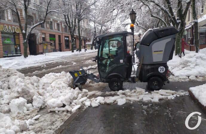 Главные события Одессы за 29 января: очистка Дерибасовской и Лего-снеговик