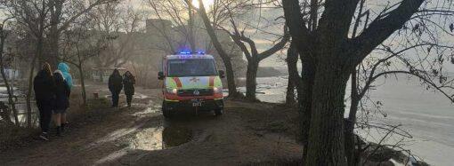 Под Одессой спасатели согнали 15 подростков с тонкого льда