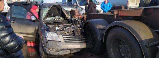 На трассе Одесса-Черноморск произошло серьезное ДТП, пострадавшего вырезали из машины (фото)