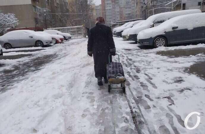 После снегопада мэрия Одессы напомнила адреса травмпунктов