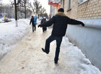 Жертвы гололеда: в Одессе за день травмировались почти 100 человек