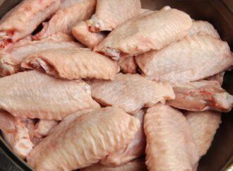 В Одессу может попасть курятина с «сюрпризом»