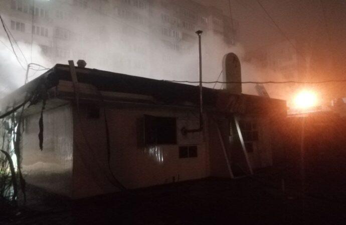 В Одессе в заброшенном кафе заживо сгорели десятки кур