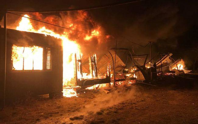 В Одесской области сгорела старая база отдыха