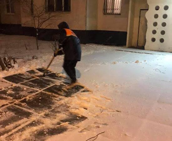 Настоящая зима: Одессу впервые в 2021 году засыпало снегом (фото)
